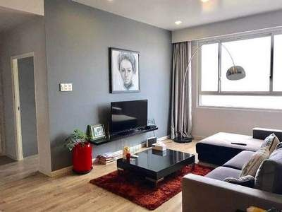 Apartment with balcony, convenient traffic, quiet space