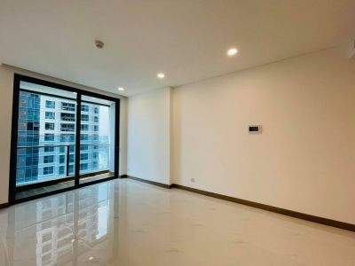 New apartment without furniture in Sunwah Pearl for rent