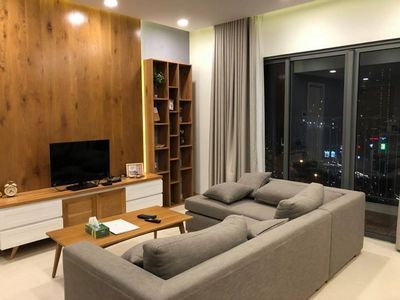 For rent apartment with Vincom Mega mall, District 2
