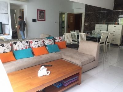 For rent apartment large living room, closed kitchen, fully furniture