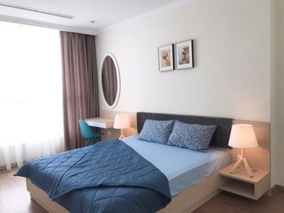 Vinhomes Central Park apartment for rent 2 bedrooms